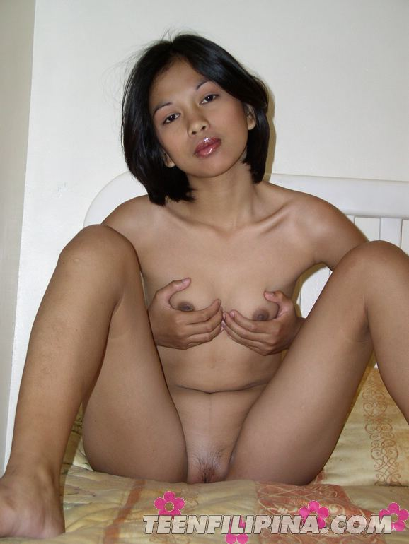 Sexy mature nude woman