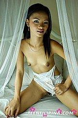 Filipina Teen Exposing Tits